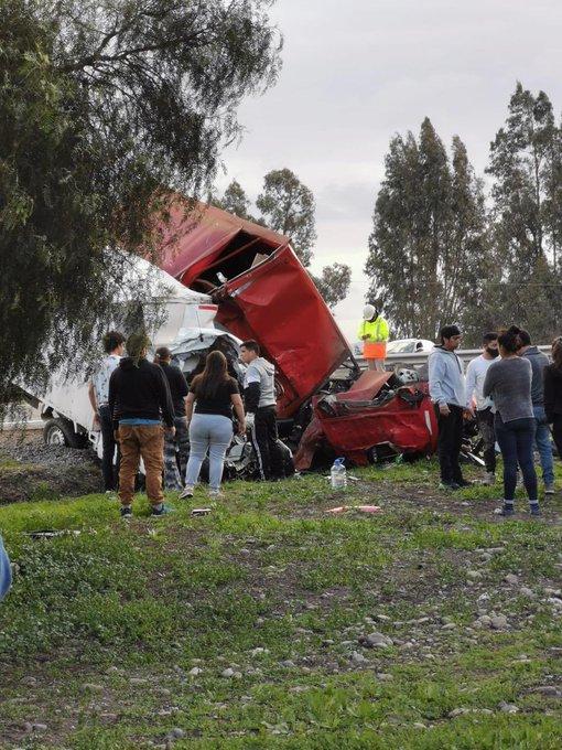 Cinco muertos y 2 heridos graves tras colisión en Autopista del Sol