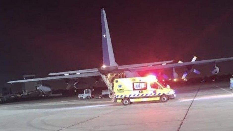 Trasladan pacientes Covid-19 desde el Bío Bío a Santiago por aumento de contagios