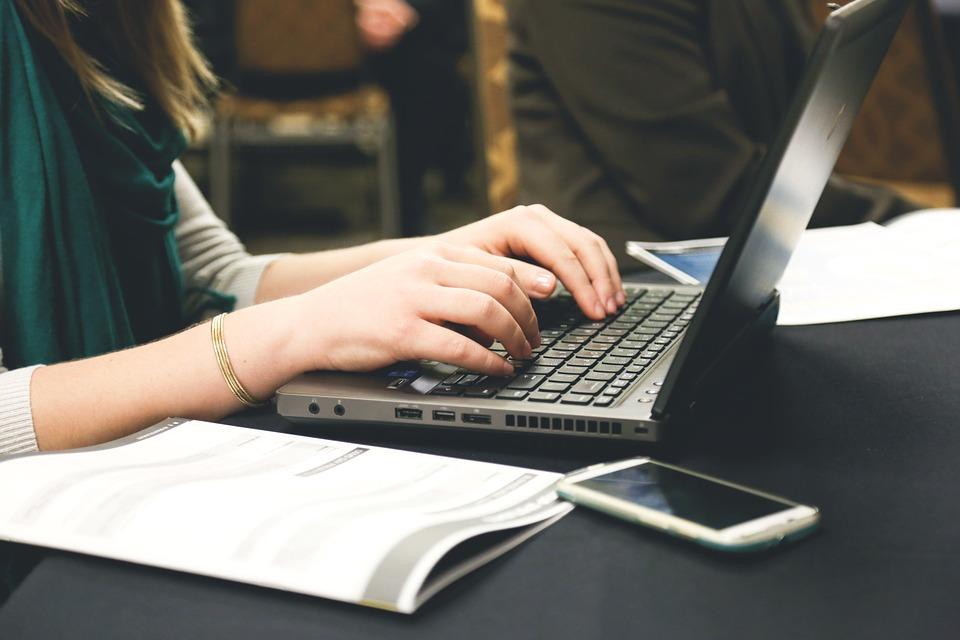 Mujer Digital 2021: Gobierno ofrece 59 cursos gratuitos a emprendedoras