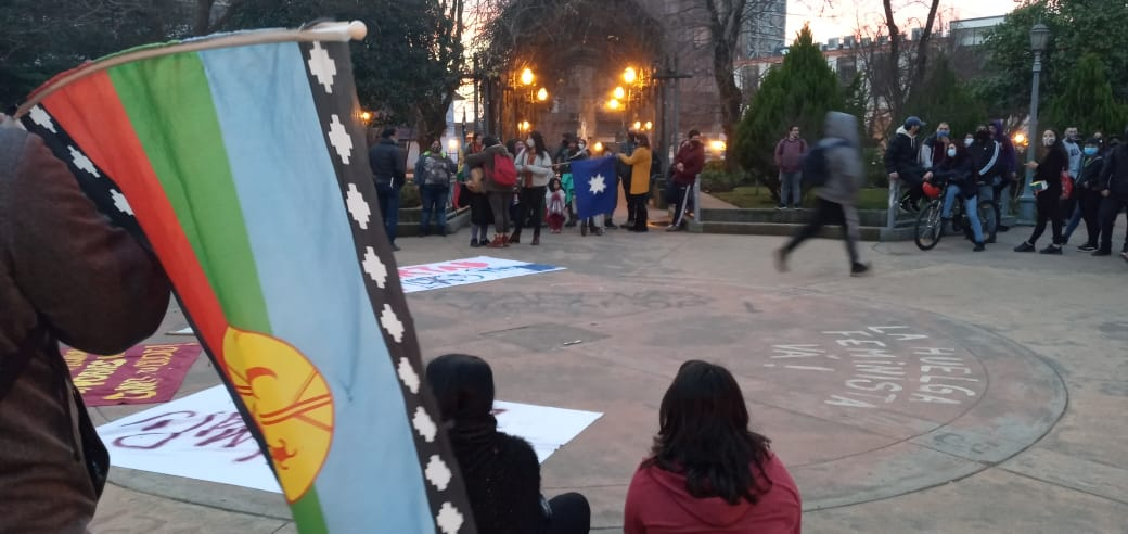 Más de 200 personas se manifestaron en Los Ángeles en apoyo al pueblo mapuche