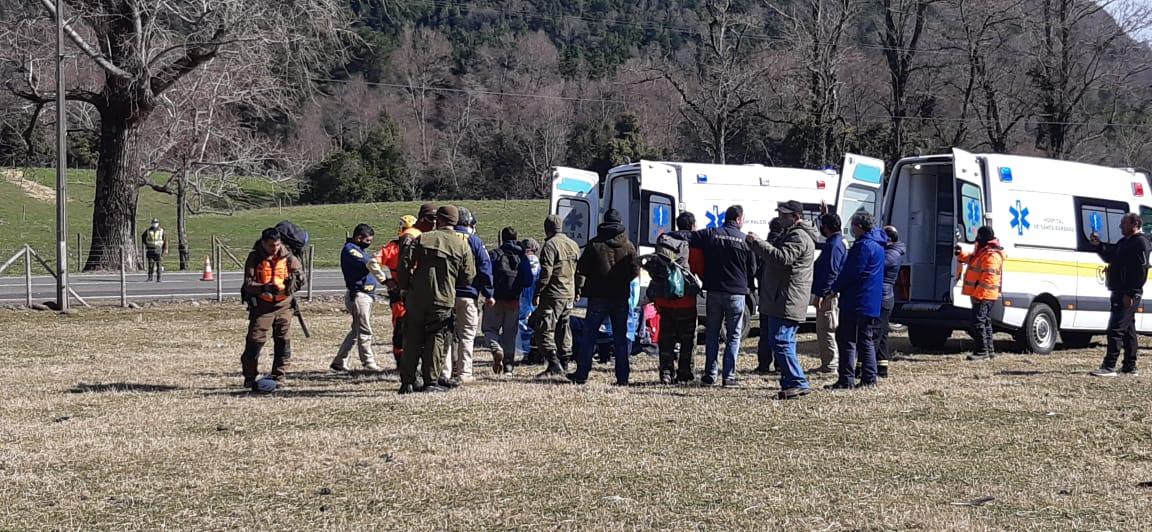 En rescate aéreo de la Armada salvan a jóvenes desde la cordillera del Biobío