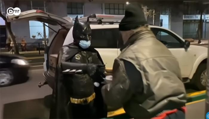 Prensa internacional destacó la noble historia del Batman chileno solidario