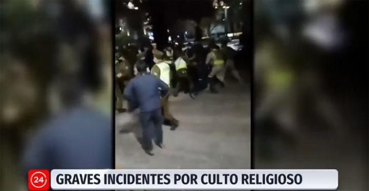 Pastor anuncia querella contra Carabineros que dispersaron masivo culto evangélico en Santiago