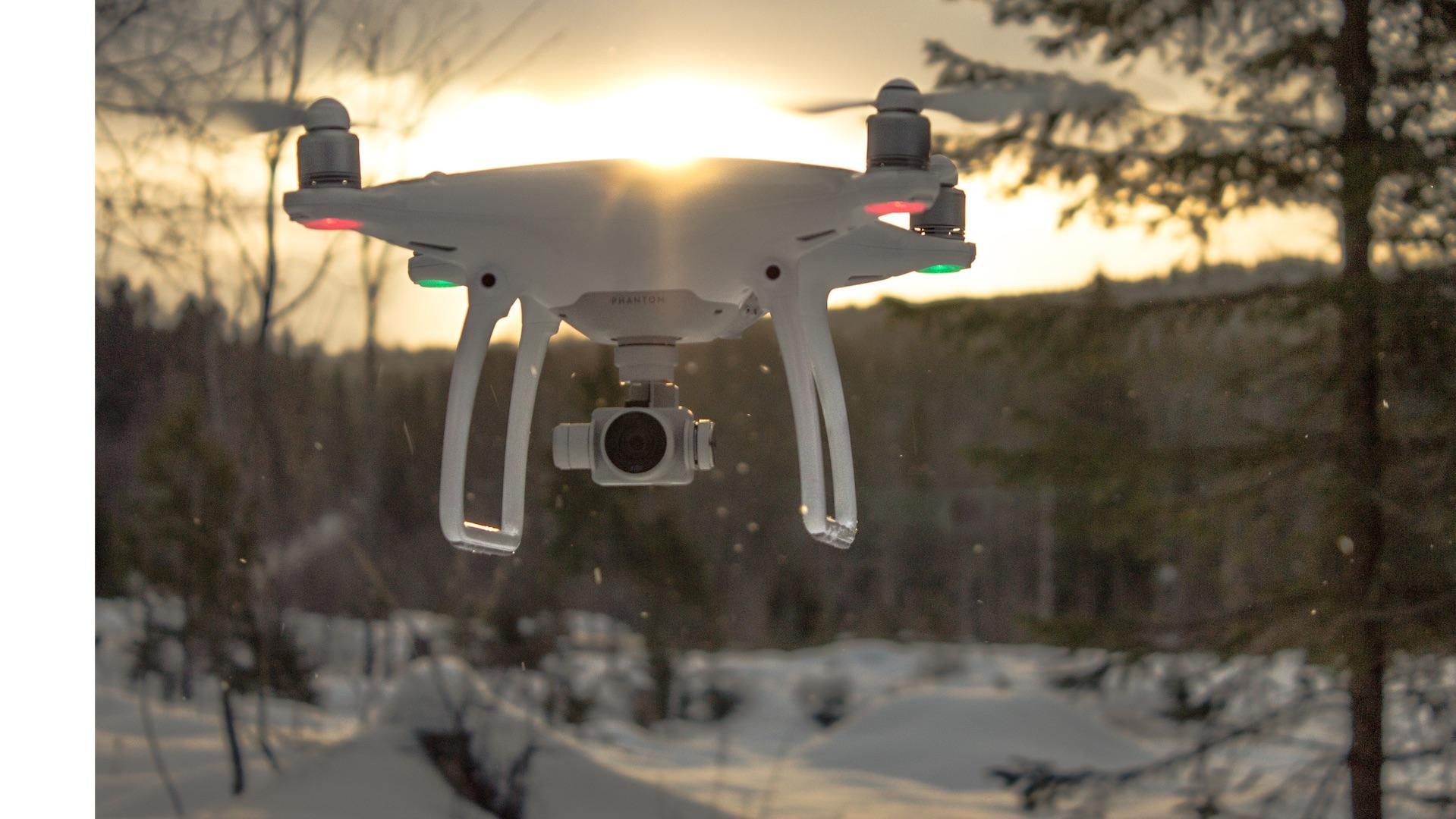 Logran divisar a excursionistas con un dron: Rescate es inminente