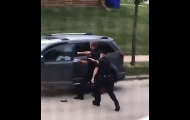 Nuevo caso de brutalidad policial indigna a USA: afroamericano recibió 7 disparos por la espalda