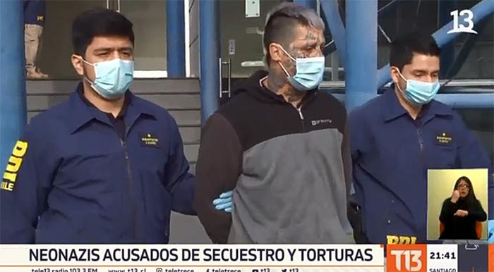 Cuatro neonazis detenidos por secuestro y tortura en Estación Central: uno es menor de edad
