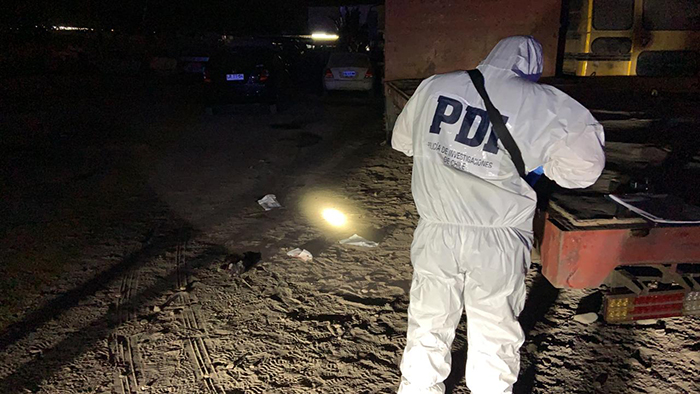 Macabro hallazgo: descubren cuerpo de hombre decapitado en camión abandonado
