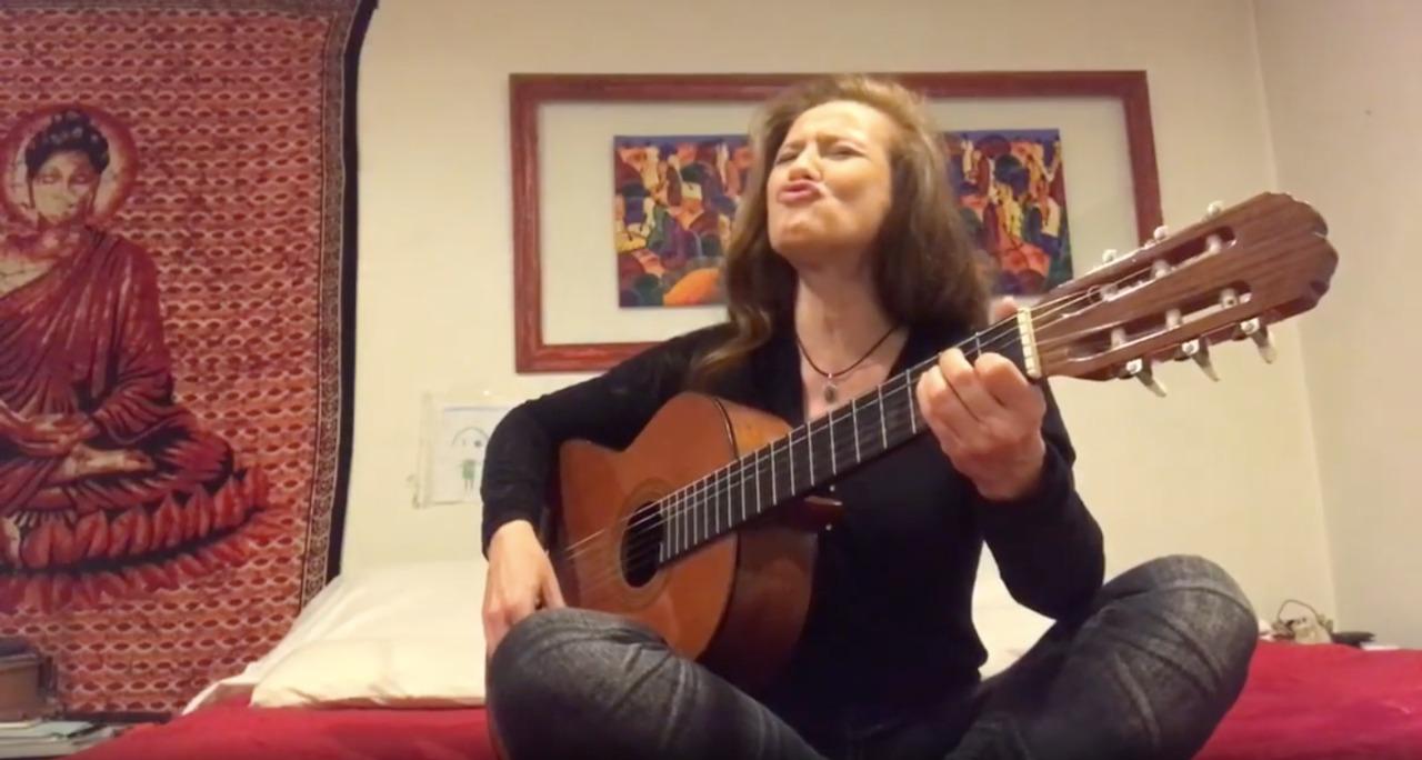 Sigrid Alegría interpretó nostálgica canción infantil por una importante razón