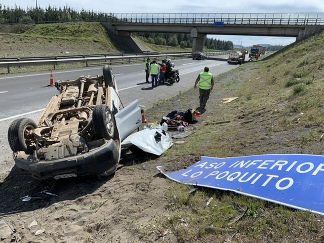 Los Ángeles: Dos lesionados deja volcamiento en la Ruta 5