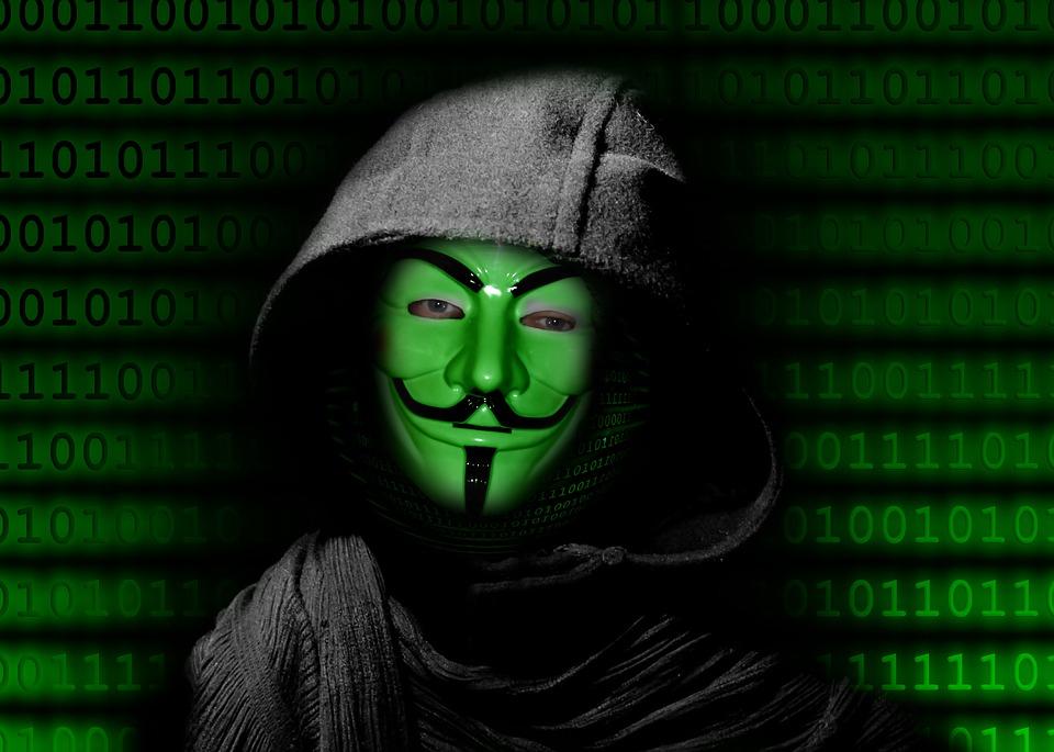 Condenan a integrante de Anonymous que filtró datos de Carabineros post 18-O