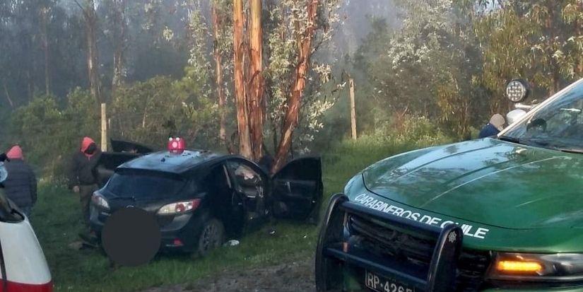 Una embarazada en riesgo vital y otros 6 lesionados tras choque de auto con un árbol