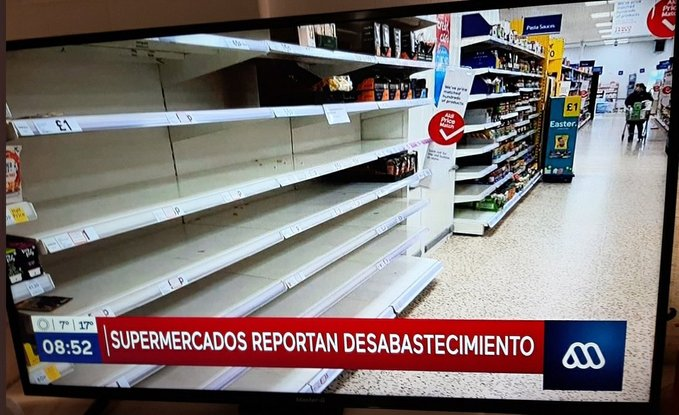 Críticas a Mega por foto de supermercado de otro país graficando desabastecimiento