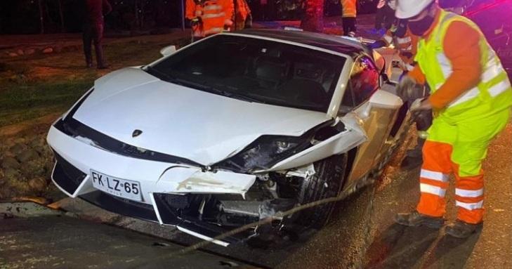 Lamborghini protagoniza violento choque contra un Chevrolet Corsa