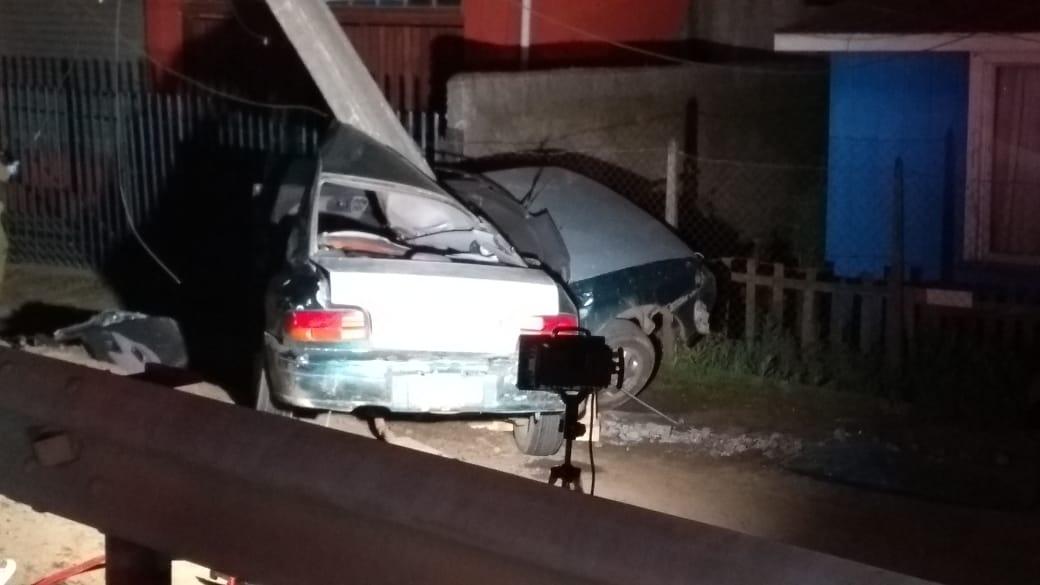 Fatal choque en Los Álamos: copiloto murió y conductor fue internado grave