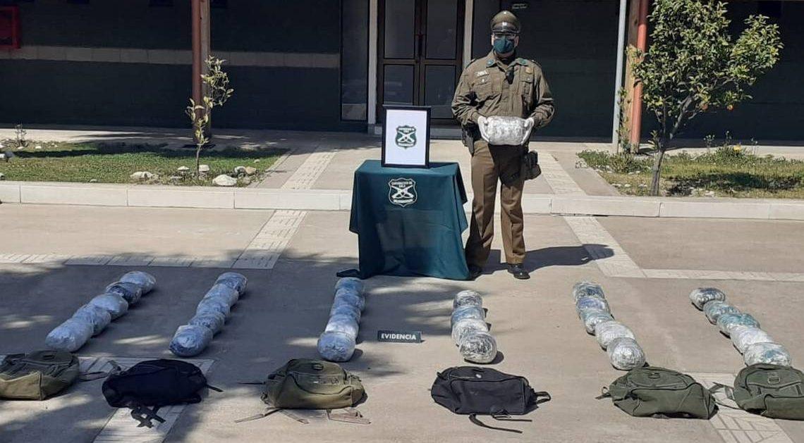 Persecución por Ruta 5 terminó con decomiso de 32 kilos de marihuana