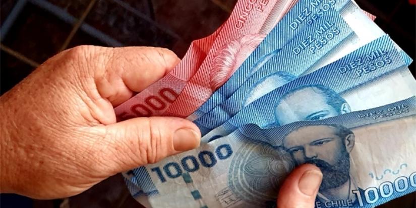Inédito: Gobierno propone reajuste de $0 al sueldo mínimo