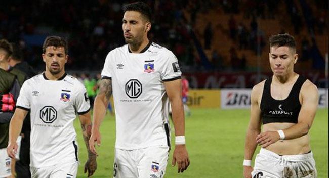 Se repite la historia de Colo Colo y la UC: decepcionan y penden de un hilo en la Libertadores