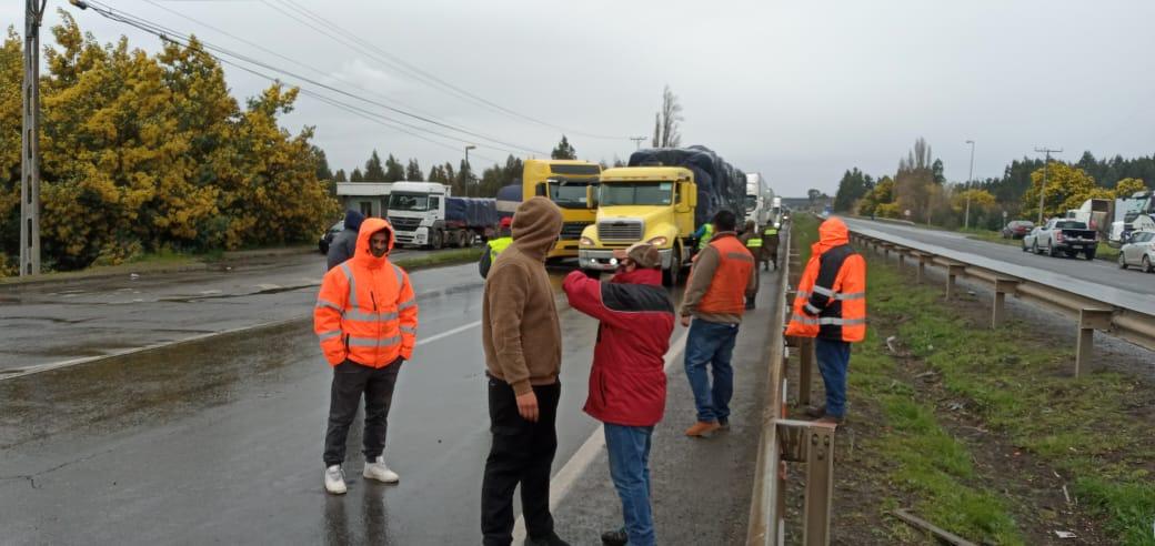 Hombre que apoyaba paro camionero muere atropellado en Ruta 5 Sur