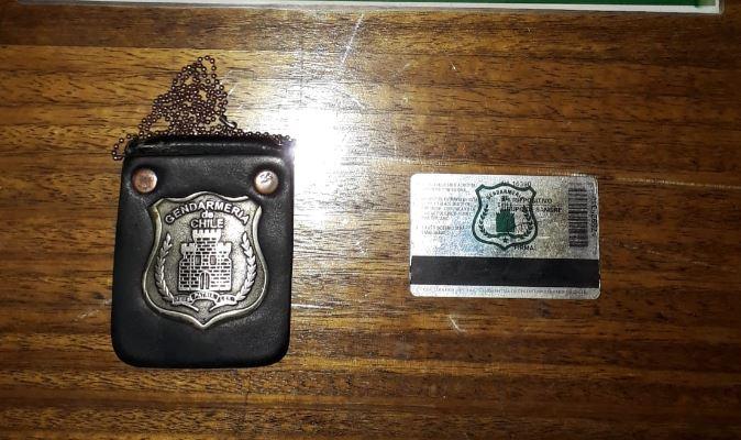 Los Ángeles: detienen a ex gendarme por usar placa vencida para evadir toque de queda