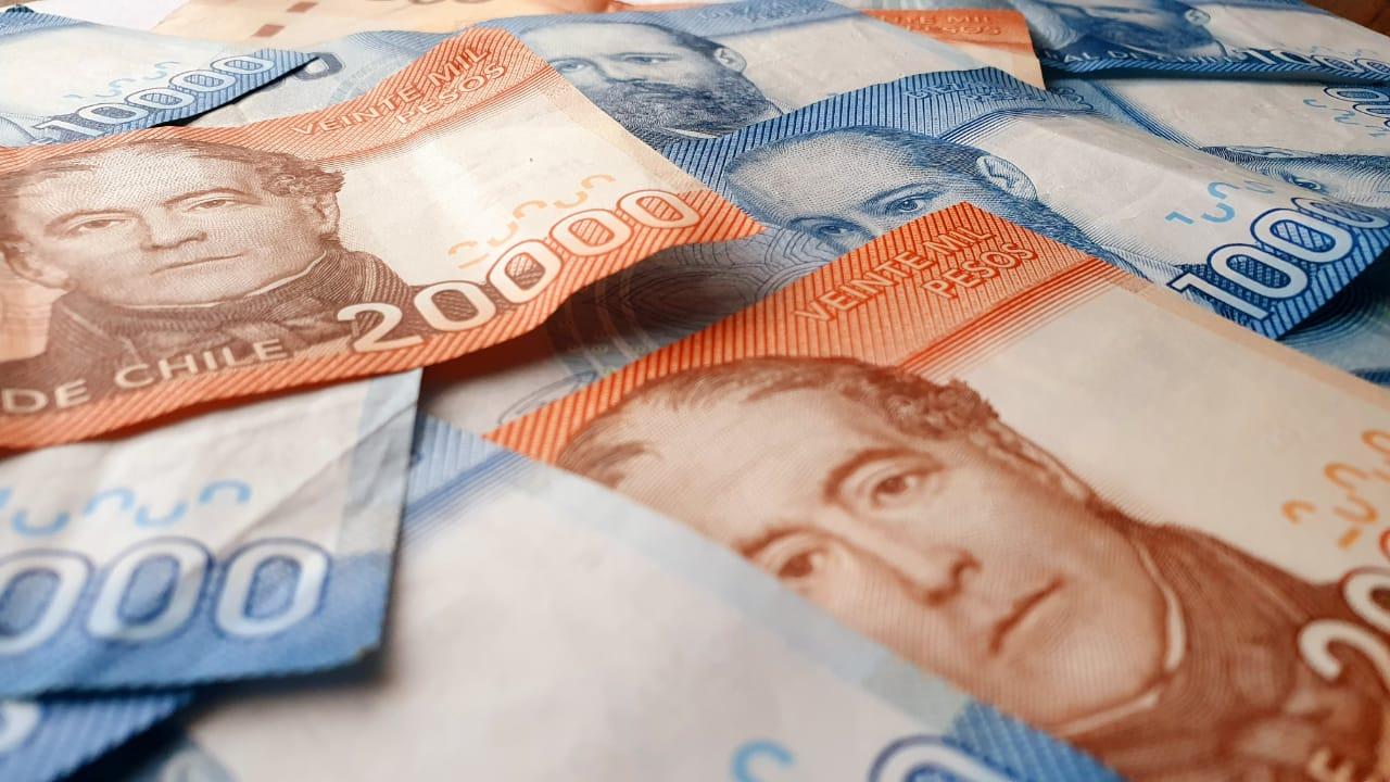 Dilatan votación del sueldo mínimo a la espera de mejor oferta del Gobierno