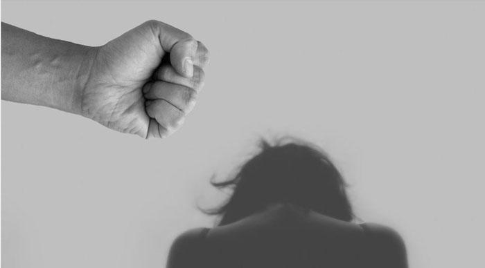 «Mi papá está matando a mi mamá»: niño de 11 años evitó un nuevo femicidio en el país