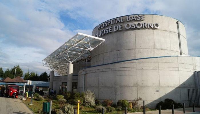 Insólito: mujer paso 18 días con un apósito dentro suyo tras realizarse una cesárea