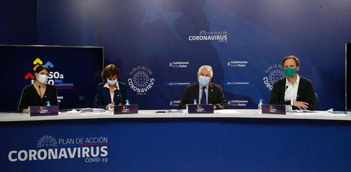 Contagios de Covid-19 presentan baja y Minsal llama a un 'cambio cultural' para frenar la pandemia