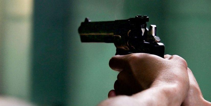 Sujeto amenazó a detectives de la PDI con un arma tras ser descubierto vendiendo drogas