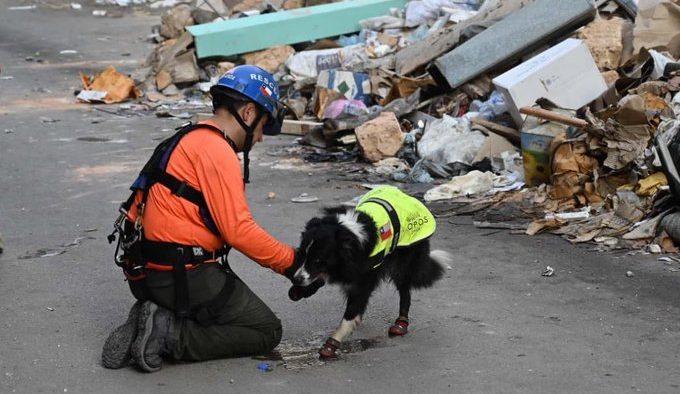 Rescatistas chilenos detectan señales de vida en escombros de la explosión de Beirut