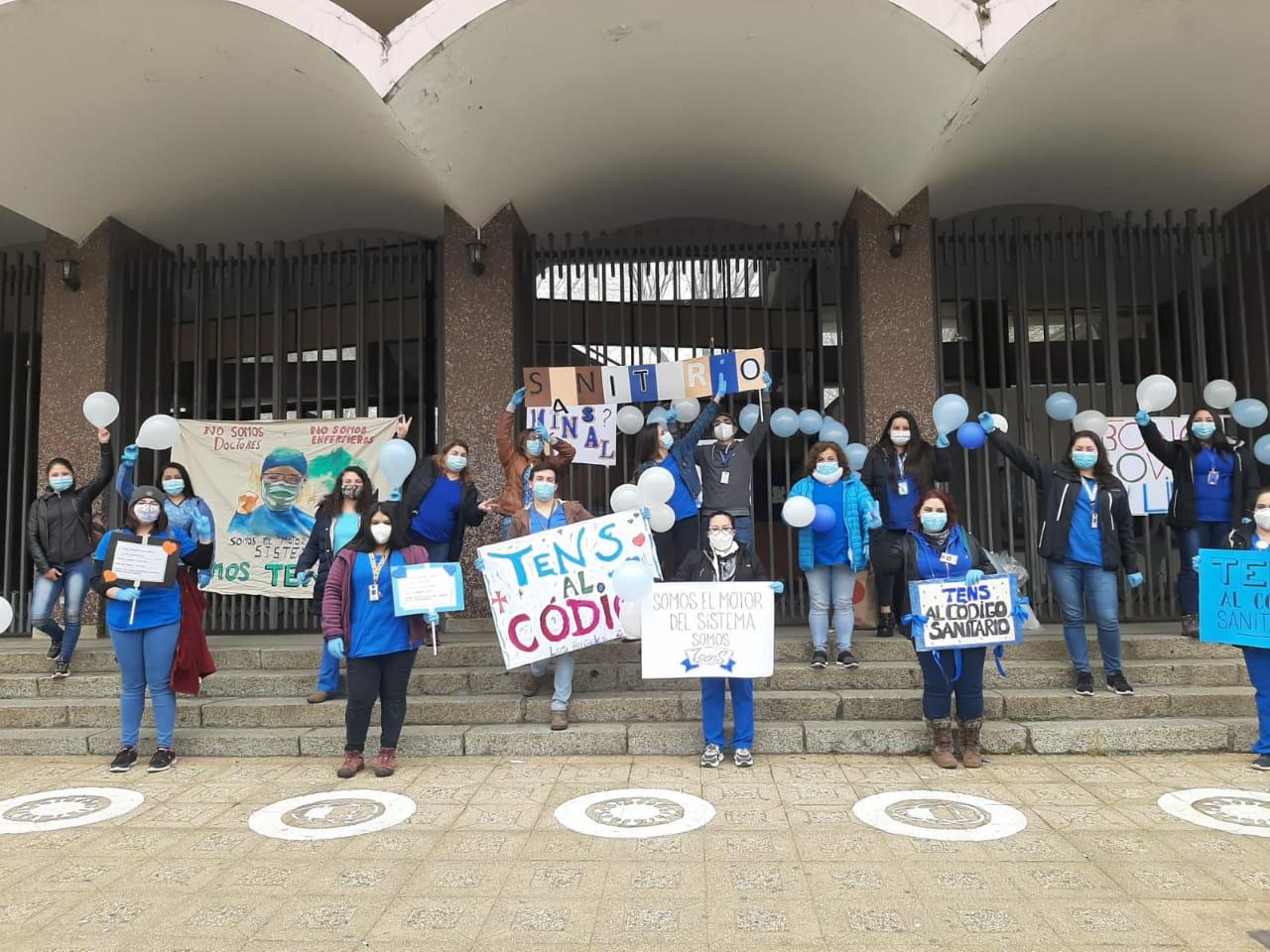 TENS de provincia de Bío Bío protestan exigiendo que su profesión sea reconocida