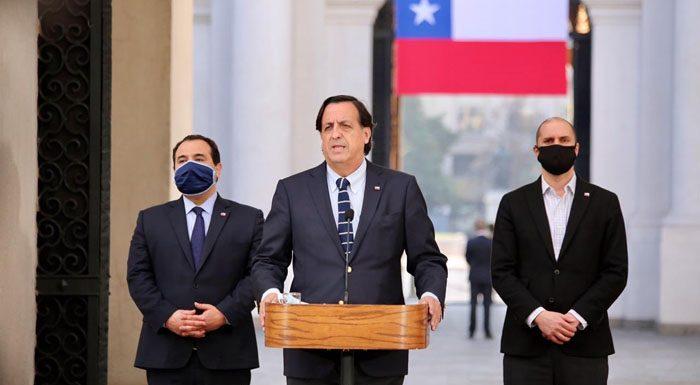 «Salvó vidas»: Pérez blinda a Mañalich tras acusación constitucional por su gestión en pandemia