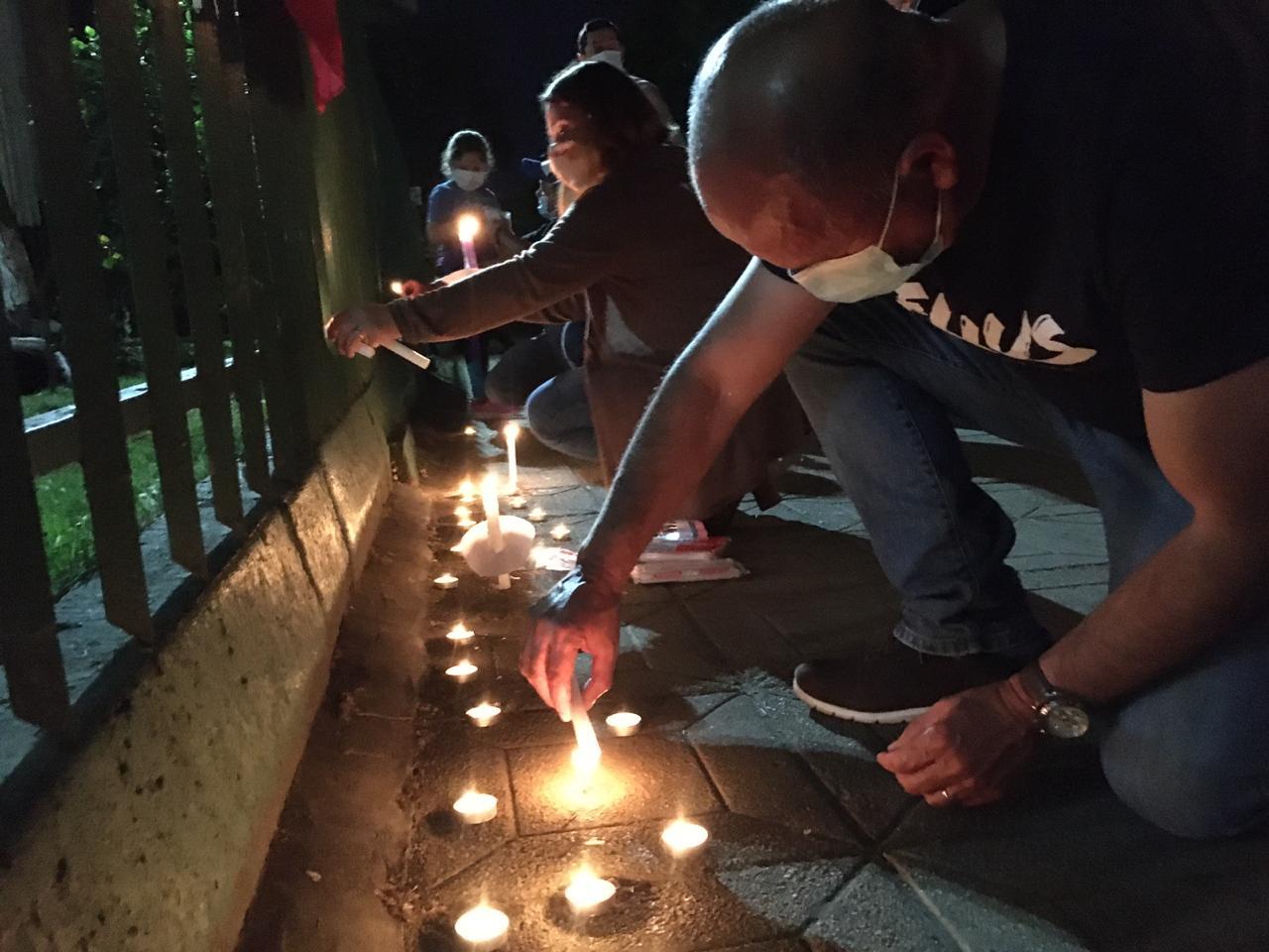 Grupo de angelinos realizó velatón por carabinero asesinado en La Araucanía