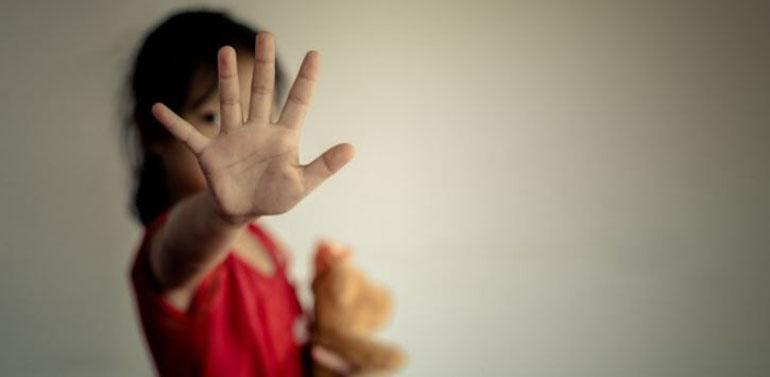 Niña de 7 años fue abusada por su primo en plena clase online: profesora lo alertó y denunció