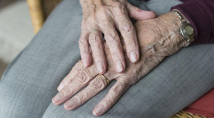 Plebiscito: Mujer de 76 años falleció al interior de un local de votación