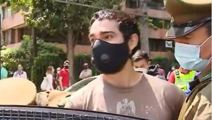 «Traigo una bomba»: sujeto es detenido por insólita broma en local de votación