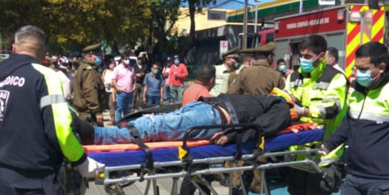 Colisión vehicular en pleno centro de Los Ángeles deja una persona lesionada