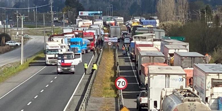 Camioneros condenan ataque en Angol y advierten que paro nacional se puede retomar
