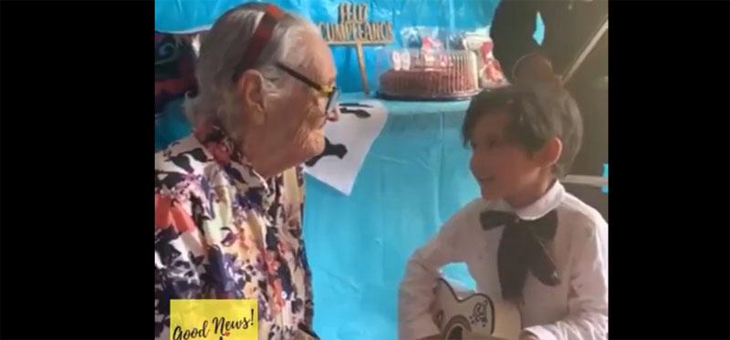 Un recuerdo de por vida: pequeño niño le cantó emotiva canción de 'Coco' a su bisabuela