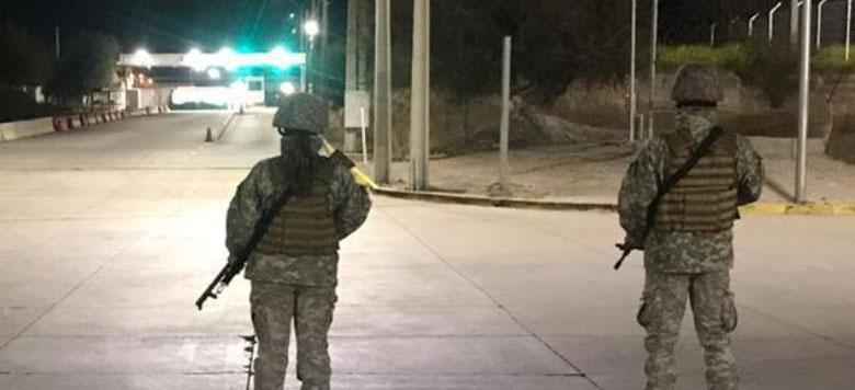Dos soldados de la FACh fueron detenidos por lanzar piedras a Carabineros en una protesta