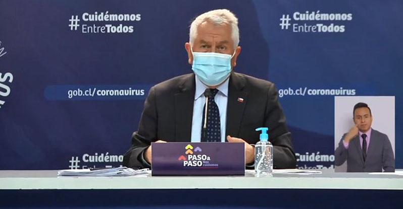 Ministro Paris descarta vacunar antes a Bomberos: «Les pido que tengan paciencia»