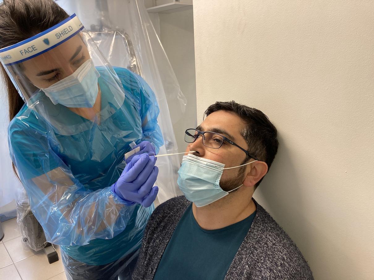 Ante el complejo panorama: Funcionarios del Servicio de Salud Biobío se toman el PCR