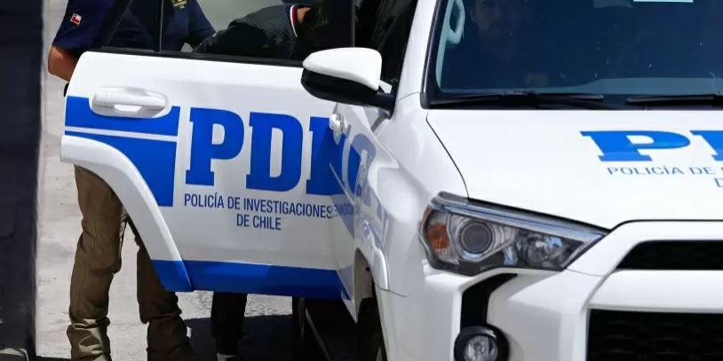 LA: detienen a dos hermanos que se hicieron pasar por falsos policías para robar una casa