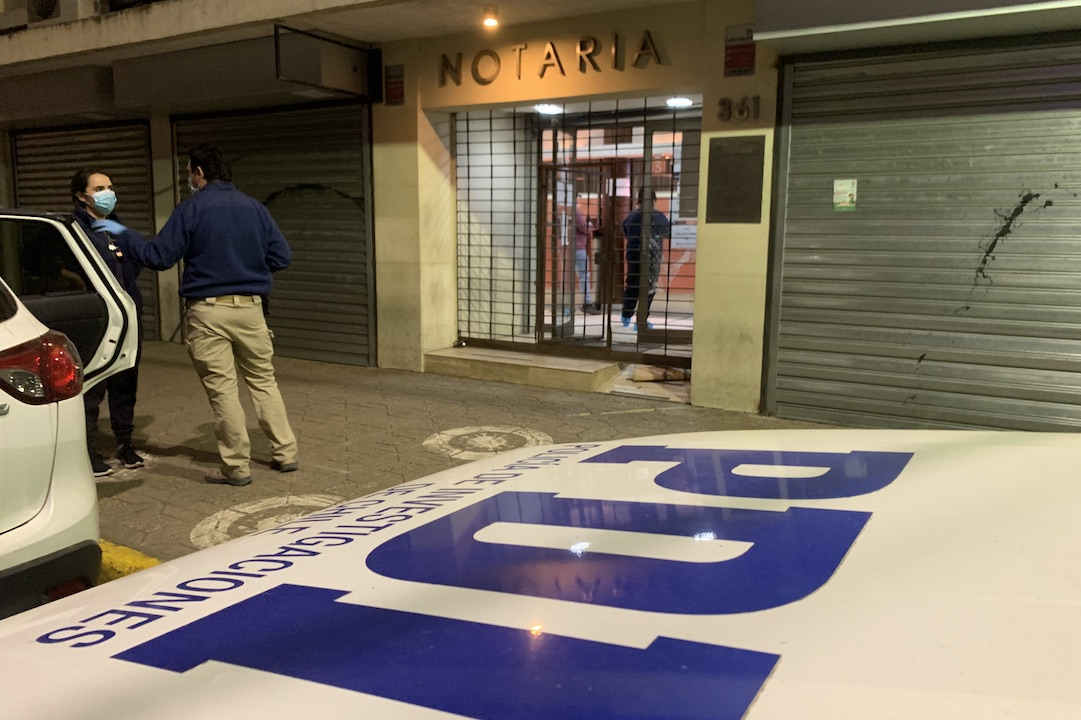 Millonario robo afecta a notaría en pleno centro de Los Ángeles: Nadie vio nada