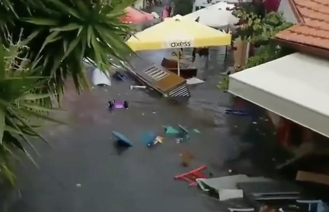 Impactantes videos del tsunami ocurrido en las costas turcas