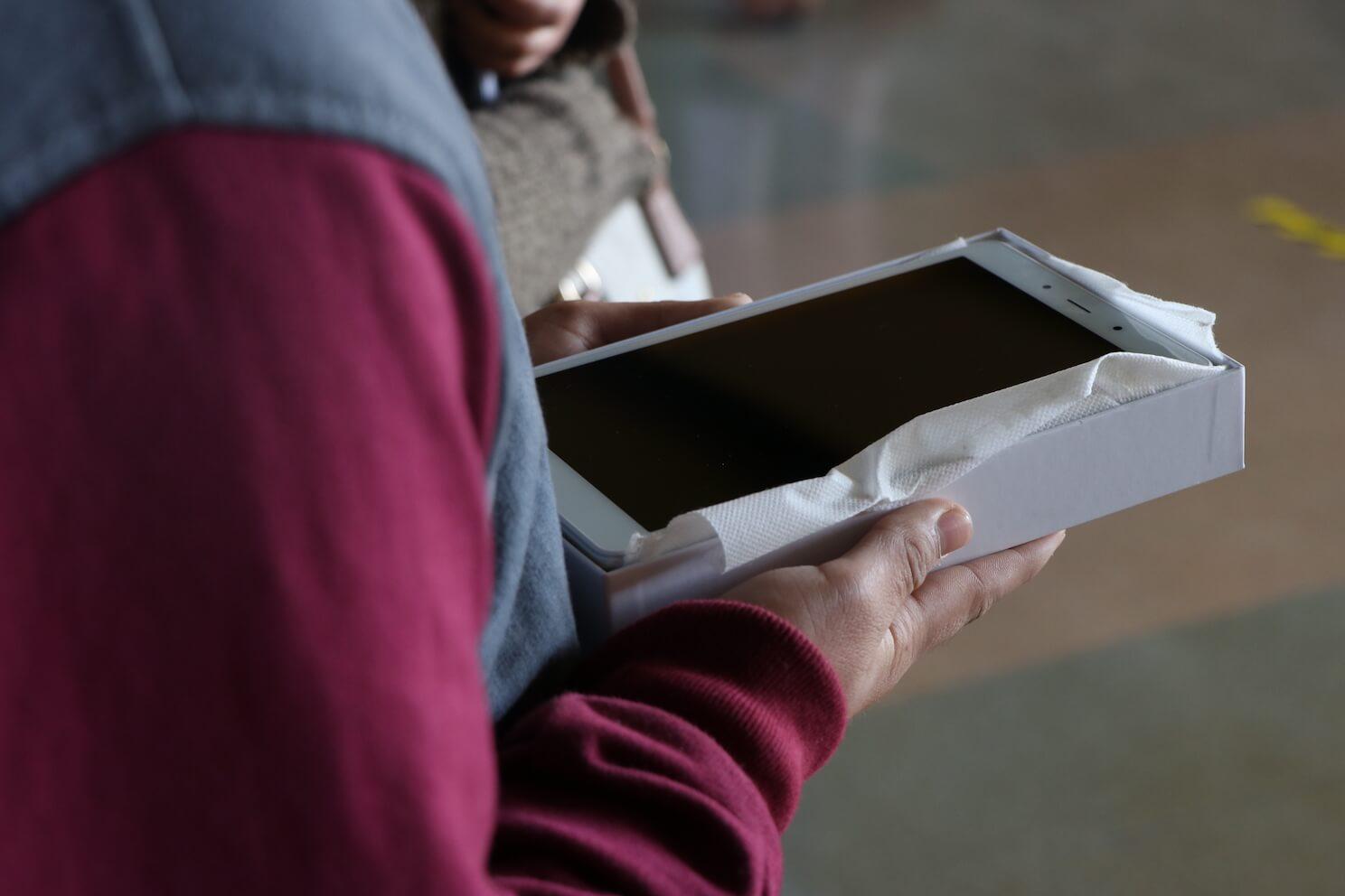 Los Ángeles: 270 alumnos del Liceo Industrial recibieron tablets para clases online
