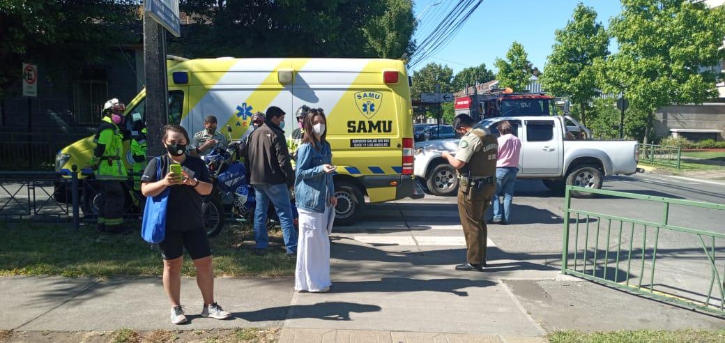 Los Ángeles: Motorista es colisionado por camioneta que se da a la fuga