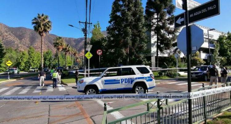 Frustran robo al vehículo que traslada a ministro Briones: un asaltante murió