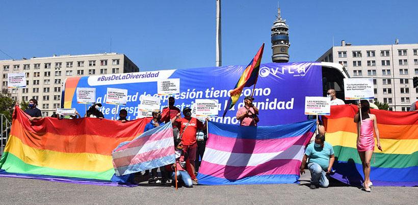 Bus de La Diversidad llegó hasta La Moneda: estos fueron los mensajes que compartió