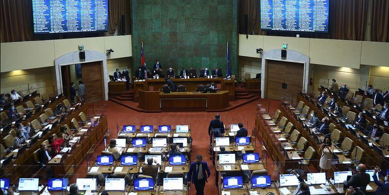 Alarma en el congreso: 13 diputados inician cuarentena preventiva por posible contagio