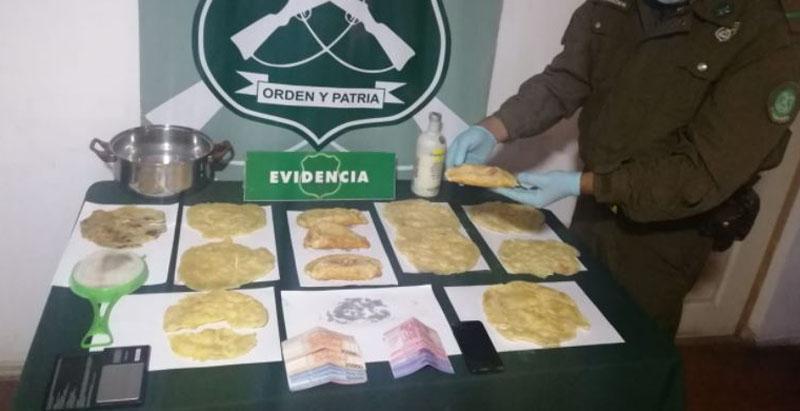Detienen a dos sujetos por vender sopaipillas y empanadas de marihuana